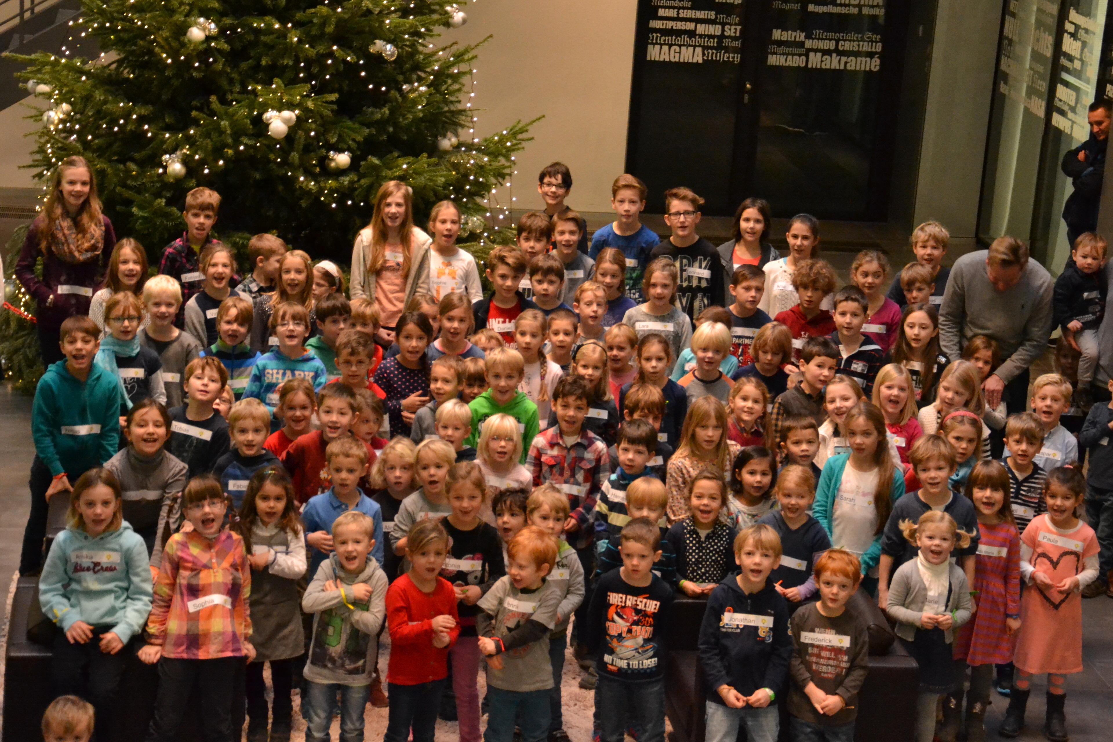 111 Kinder haben wir in Köln während es Kindertages der Versicherung glücklich gemacht.